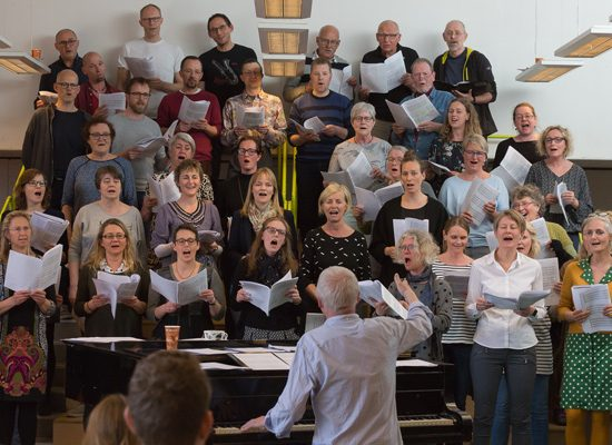 Fællesskab og fællessang til fordel for fremtidens forum…